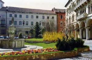 giardino in piazza Duomo a Belluno